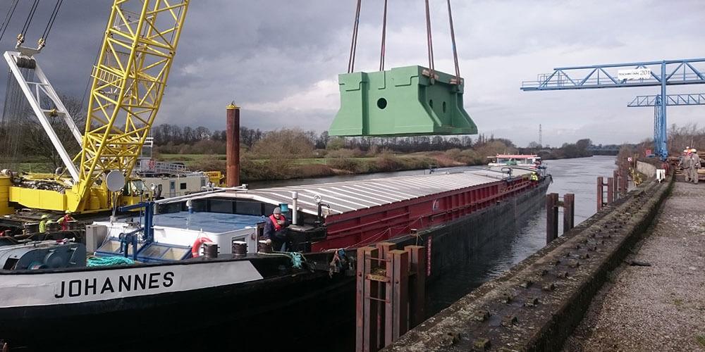 Contrans Logistik Standort Bremen Schiff
