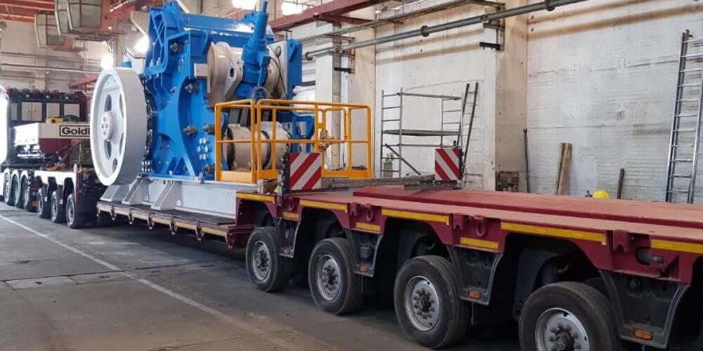 Contrans Logistik LKW mit Beladung.